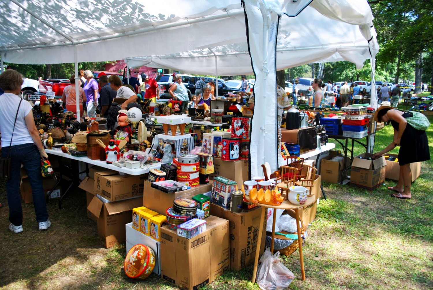 The 200 mile yard sale owensboro living for Outdoor tools for sale